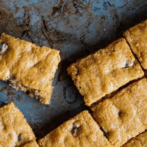 cookie dough traybake